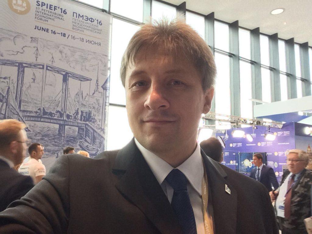 Иван Диденко - ведущий на ПМЭФ